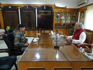 The Army Commander thereaftertravelledto RajBhawanto meetAssamGovernor P BAcharyaand also met Chief MinisterTarunGogoiat his residence.