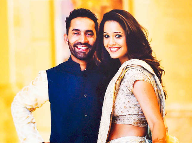 Just married! Cricketer Dinesh Karthik and squash champ Dipika ...