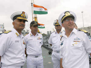 Commander in Chief of Israeli Navy Vice Admiral Ram Rutberg, who is visiting the southern coastal city, has held discussions with Commander-in-Chief of Southern Naval Command Vice Admiral Sunil Lanba.