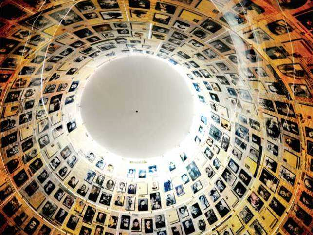 Tour of the galleries of Yad Vashem: Hard-hitting archives