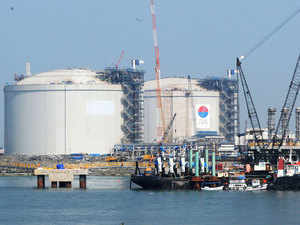 Power producers includingNTPC,GMR,GVKandLancoare in the fray for second round of auction tomorrow to bag theRs2,600croregovernment subsidy for buying expensive imported LNG for their idle plants.