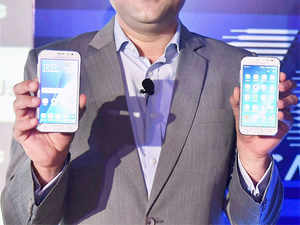 Top brands such as Samsung, Micromax, Lenovo, Sony, LG, Karbonn, Intex, Lava and Gionee plan to refresh their handset line-ups with the latest 4G smartphones.
