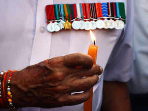 Several war veterans were felicitated by giving a rose even as they flaunted their medals and flashed the invite of the President, which they had declined.