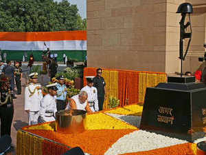 PM Modi laid a wreath at Amar Jawan Jyoti at the India Gate monument, commemorating the victory in the war and remembering the sacrifice of the soldiers.