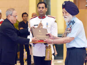 Singh, a hero of Indian's 1965 military triumph over Pakistan, was among the war veterans invited to Rashtrapati Bhawan for high-tea with the President.