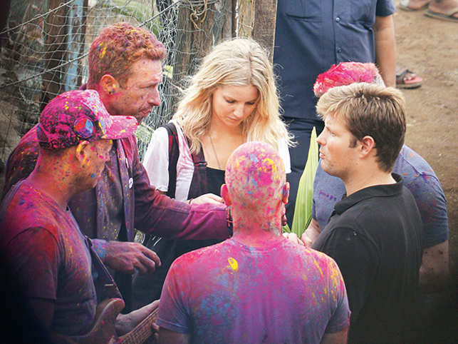 Coldplay frontman's trip to Mumbai wasn't all business. He was here with his rumoured girlfriend, identified by the British tabloids as Annabelle Wallis. (Image: Shriya Patil)