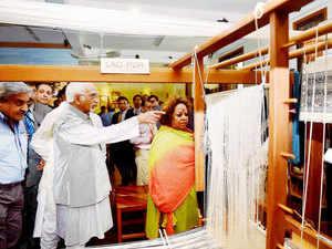 Vice President Hamid Ansari with his wife Salma Ansari visits Mekong Ganga Textile Museum.