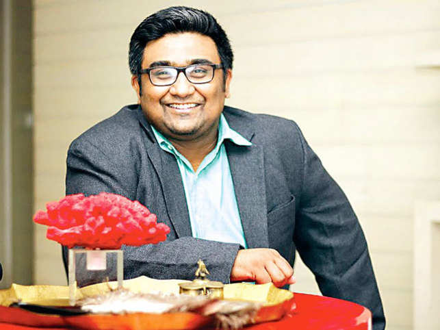 Despite the bleak picture that Kunal Shah painted, he let slip that it was his boss who ended up becoming his co-founder at Freecharge.