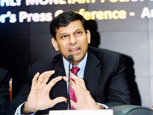Rajan said that though aspirations for a 9% growth rate is good the political class must be careful of not promising too much.