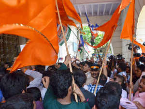 A group of Shiv Sainiks on Monday morning protested at BCCI president Shashank Manohar's office here against his move to hold talks with his Pakistani counterpart Shahryar Khan