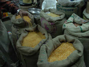 Municipal Corporations retailers can stock up to only 200 quintals, while in Municipal councils they could store up to 150 quintals.
