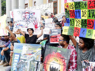 Agitating students of FTII held one more round of talks with the government but there were no indications of an immediate end to the four-month-old deadlock.