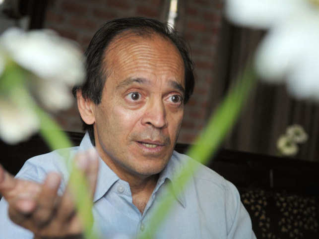 "Vikram Seth will be conferred with a Poet Laureate Award at the Mumbai Literature Festival for ""his efforts to keep the literary form of poetry alive""."