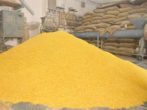 Importers have offered to supply 1 lakh kg of tur dal a day at Rs 135 a kilo, but sought exemption from stockholding limits imposed after the prices of pulses in the country rose..