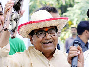 SP General Secretary Ram Gopal Yadav today remained non-committal about the speculated reshuffle in Akhilesh Yadav ministry in Uttar Pradesh.