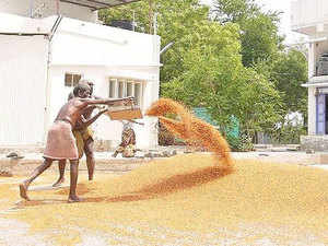Maharashtra government is working out a mechanism for exempting importers of pulses from the ambit of stock holding limits.