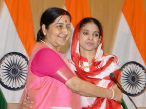 External Affairs Minister Sushma Swaraj stated that Geeta refused to identify the Mahatos as her family.