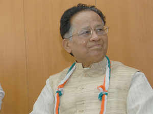 Assam Chief Minister Tarun Gogoi today said he agreed with former NDA minister Arun Shourie that the present Prime Minister's Office was the weakest in the country's history.