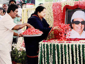 Tamil Nadu Chief Minister J Jayalalitha pays tributes to AIADMK founder M G Ramachandran at Kotagiri in Niligiris.