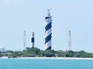 Gadkari will hold an investor summit in Mumbai to encourage private sector investment in converting 78 of country's lighthouses into tourism destinations.