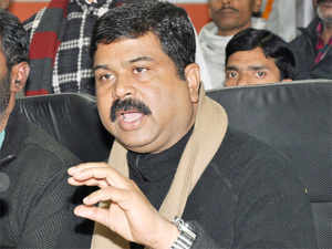 India plans to shift to Euro-VI emission compliant petrol and diesel by 2020 to cut carbon pollution, Oil Minister Dharmendra Pradhan said today.