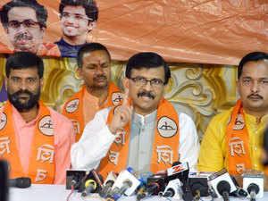 Shiv Sena MP Sanjay Raut talking to newsmen in Patna on Friday. Pic by--K M Sharma, Patna.
