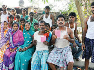 The issue of categorising Dalit Muslims and Dalit Christians among Scheduled Castes is quite separate from that of earmarking 5% quota of the OBCs for other religions. (File Photo)