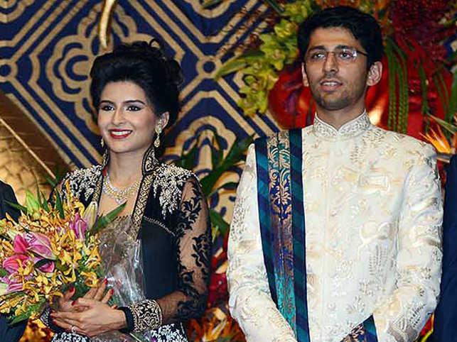 From President Pranab Mukherjee And PM Modi To Sunil Mittal The Wedding Ceremonies Saw A