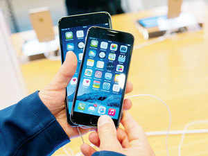 Apple has decided to offer discount on its latest iPhones in less than a month of its launch, with the Cupertino-based company initiating a buyback offer on iPhone 6s and 6sPlus, giving consumers discount of up to Rs 34,000 to boost sales.