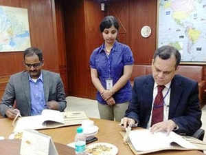Export Import Bank (Exim Bank) today signed a pact with GoCoop Solutions and Services (GoCoop) to facilitate artisans and weavers to list and sell their produce online.