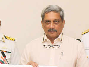 Defence Minister Manohar Parrikar today paid his tributes to Colonel Santosh Mahadik who was martyred in an encounter in Kupwara in Jammu and Kashmir today.
