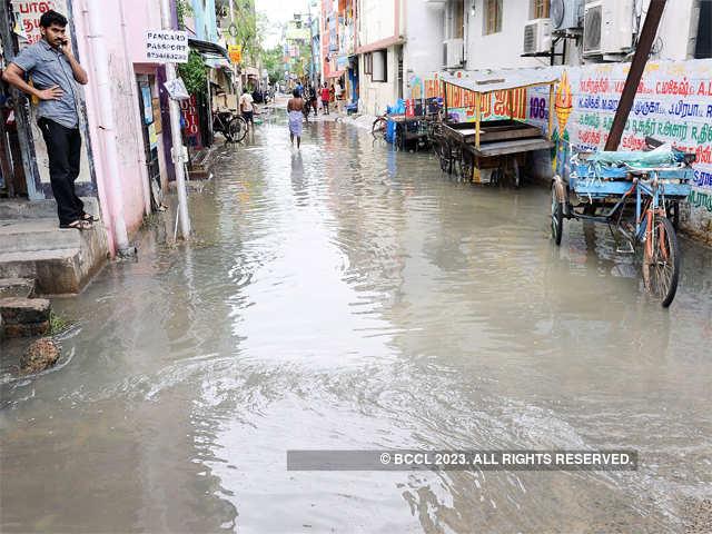 velachery main road heavy rainfall disrupts normal life in tamil