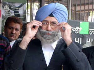 Lawyer and human rights activist HS Phoolka places blame for 1984 anti-Sikh riots squarely upon former prime minister Rajiv Gandhi.