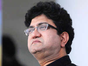 Prasoon Joshi's palace commercial for Happydent chewing gum has been named as one of the 20 best ads of the 21st century in a public poll conducted by the Gunn Report.