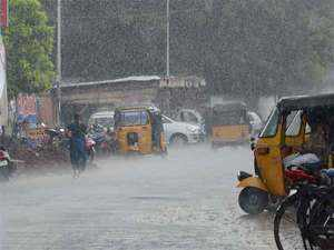 DMK and CPI(M) alleged that the sudden discharge of 35,000 cusecs of water from the reservoir, coupled with heavy downpour, had made matters worse for the city.