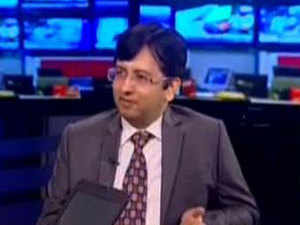 Thakkar says that one should buy into banks which will not get into trouble over next 10-15 years; Maharashtra Scooters is a play on Bajaj Auto, he adds.