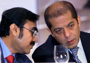 Nikhil Gandhi (L), Chairman Pipavav Shipyard and Co-Chairman Atul Punj during the announcement of IPO of the company.