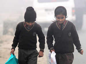 Delhi woke up to a foggy morning today as the minimum temperature settled at 6.8 degrees Celsius, a notch below the season's average.