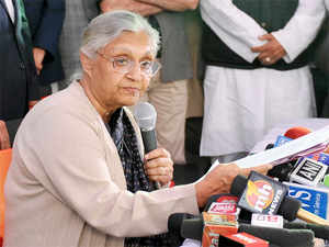"""Delhi government's odd-even formula to combat air pollution in the city will turn out to be a """"dismal failure"""", former CM Sheila Dikshit said."""