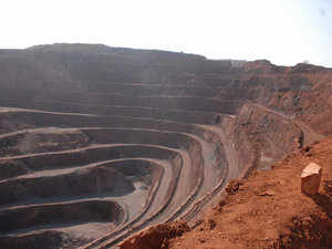 At the meeting, mines secretary praised the efforts of the six states that issues NITs for auction of mineral blocks.