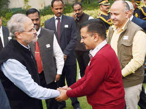 As 2015 draws to a close, the image that dominates is Delhi government's war of attrition with the Centre, in which the guns have now swung from lieutenant-governor Najeeb Jung to PM Modi and FM Arun Jaitley.