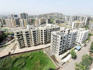 Shesh Kulkarni, chief executive of logistics company UFMI, notes that players in the logistics segment do not have the money to invest in real estate.