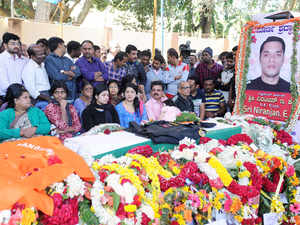 The body of Lt Col Niranjan, who died in terrorists attack in Pathankot, displayed for public view at BEL ground.