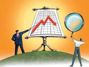 India's retail inflation in December 2015 is likely to increase to 5.6 per cent and industrial production growth rate in November 2015 may fall to 3.1 per cent, India Ratings said.