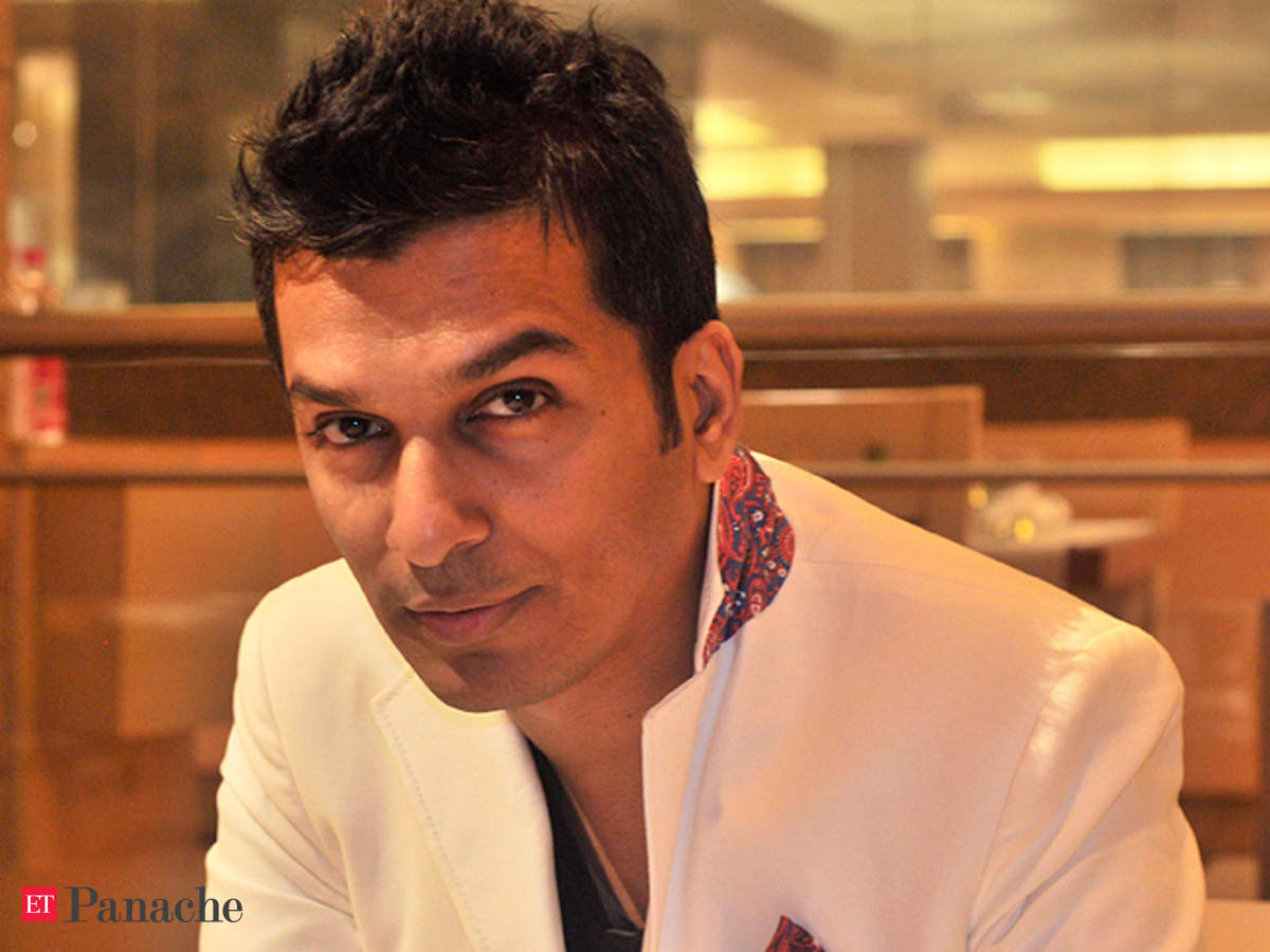 Vikram Phadnis Completes 25 Years In The Fashion Industry Doles Out Tips For Budding Designers The Economic Times