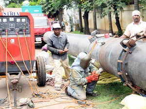 Facing a serious demand crunch, Mahanagar Gas Ltd (MGL), the sole supplier of compressed natural gas (CNG) in the megapolis, today said it may bring in differential pricing of fuel for late night consumers.