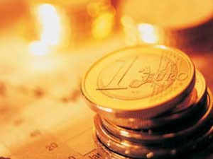 The outflow pulled down the asset base of gold funds to Rs 5,773 crore in December last year, from Rs 7,188 crore at the end of December 2014.