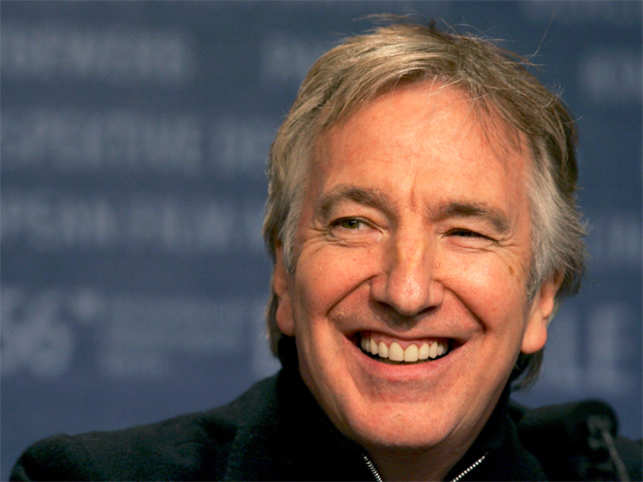 Harry Potter' fans pay tribute to Rickman on platform 9 3/4