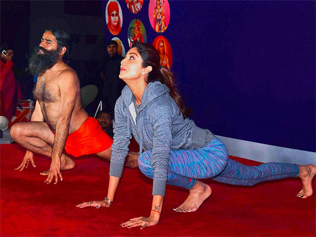 Shilpa Shetty Credits Power Yoga For Her Sexy 40 Look On Wednesday Afternoon The Actress And Mentor Baba Ramdev Performed Together At A