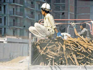 The court on January 21 suggested that building activity be stopped if builders failed to undertake minimum dust checking measures such as spraying water.